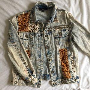 Denim acid wash cheetah print studded jacket